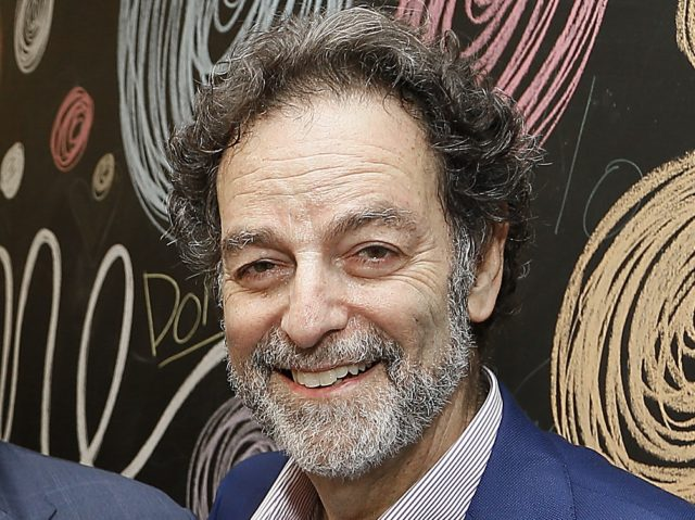 Joel Benenson (Paul Morigi / Getty)