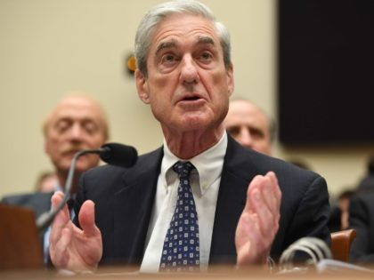 Robert Mueller 2 (Saul Loeb / AFP / Getty)