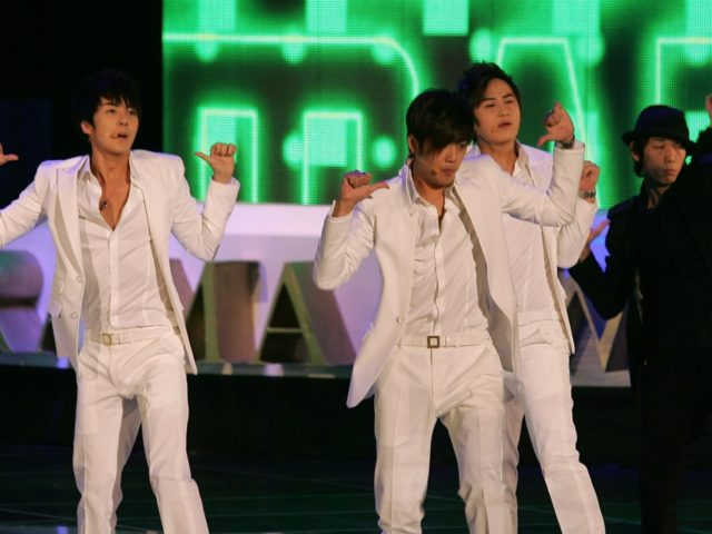 SEOUL, SOUTH KOREA - SEPTEMBER 11: SS501 perform during a opening ceremony of the Seoul International Drama Awards 2009 at the Olympic Hall on September 11, 2009 in Seoul, South Korea. (Photo by Chung Sung-Jun/Getty Images)