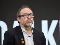 Wikipedia Boss Jimmy Wales Calls President Trump a 'Lunatic'