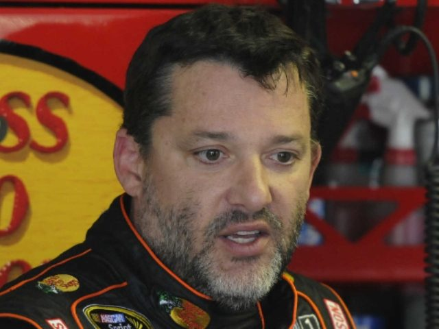 Tony Stewart caught on camera punching heckler