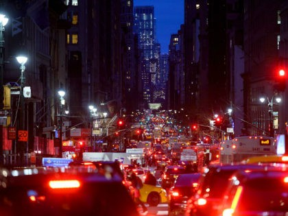 Cars are seen in a traffic jam in their evening commute on the 5th Avenue on February 27, 2019 in New York City. (Photo by Johannes EISELE / AFP) (Photo credit should read JOHANNES EISELE/AFP/Getty Images)