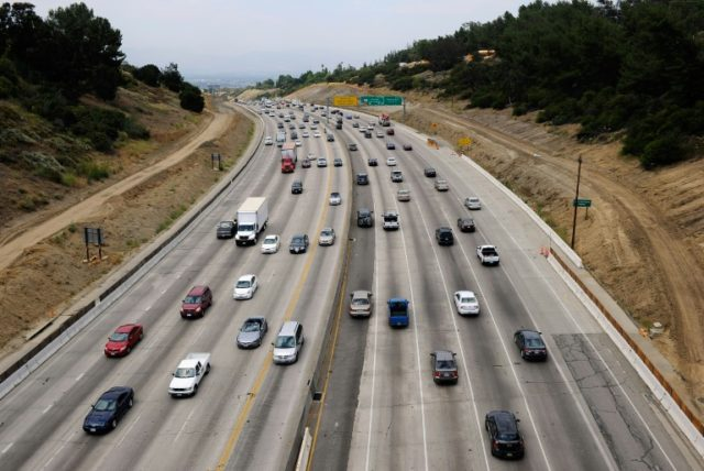 Automakers reach emissions deal with California, in rebuff to Trump