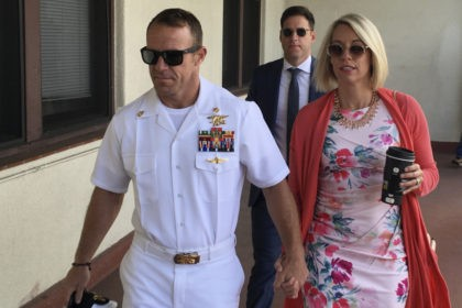 Prosecutor tells jury to use SEAL's own words to convict him