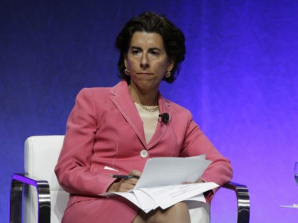 "Rhode Island Gov. Gina Raimondo chairs a plenary session entitled ""The Workforce of Tomorrow"" on the third day of the National Governors Association's meeting Saturday, July 15, 2017, in Providence, R.I. (AP Photo/Stephan Savoia)"