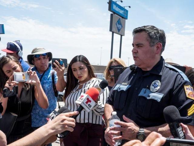 Police brief reporters on El Paso Walmart shooting on Aug 3. (Photo: JOEL ANGEL JUAREZ/AFP/Getty Images)