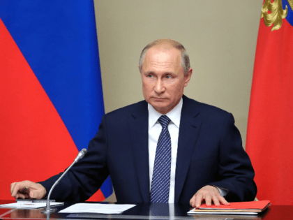 """Russian President Vladimir Putin chairs a Security Council meeting at the Novo-Ogaryovo residence outside Moscow on August 5, 2019. - President Vladimir Putin on August 5, 2019 said Russia would be """"forced"""" to develop new missiles if the US does the same, after Washington pulled out of a Cold War-era …"""