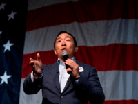 2020 Democratic presidential hopeful US entrepreneur Andrew Yang speaks at the Wing Ding Dinner on August 9, 2019 in Clear Lake, Iowa. - The dinner has become a must attend for Democratic presidential hopefuls ahead of the of Iowa Caucus. (Photo by ALEX EDELMAN / AFP) (Photo credit should read …
