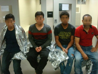 Four illegal aliens apprehended during failed human smuggling attempt at I-35 Checkpoint. (Photo: U.S. Border Patrol/Laredo Sector)
