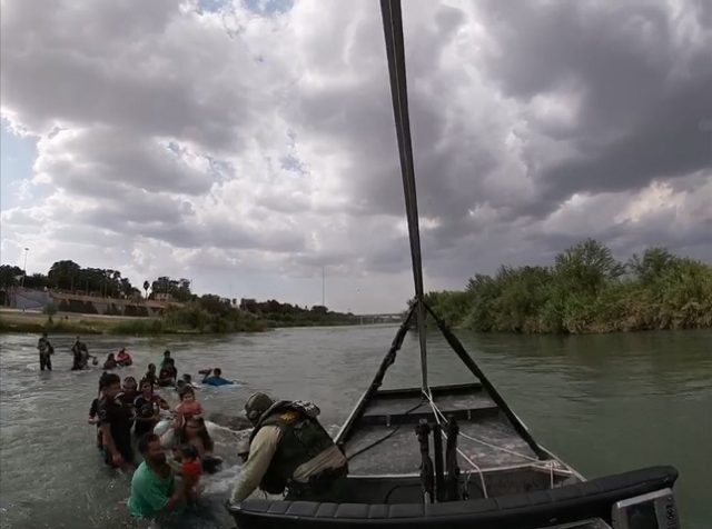 Border Patrol agents rescued 28 Honduran migrants, including 14 children, from the swiftly moving currents of the Rio Grande. (Photo: U.S. Border Patrol/Del Rio Sector)