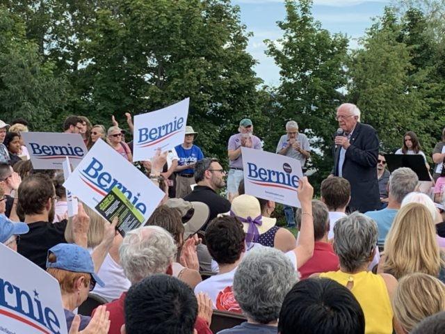 Bernie Sanders in Wolfeboro, NH (Joel Pollak / Breitbart News)