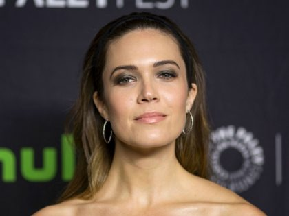 Actor Mandy Moore attends PaleyFest LA at the Dolby Theatre on March 18, 2017 in the Hollywood section of Los Angeles, California. / AFP PHOTO / DAVID MCNEW (Photo credit should read DAVID MCNEW/AFP/Getty Images)