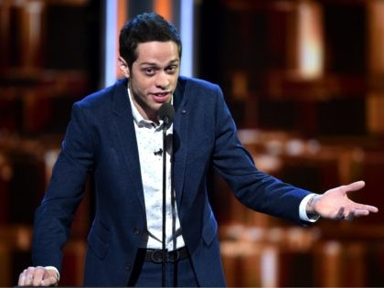 LOS ANGELES, CA - AUGUST 27: Actor Pete Davidson speaks onstage at The Comedy Central Roast of Rob Lowe at Sony Studios on August 27, 2016 in Los Angeles, California. The Comedy Central Roast of Rob Lowe will premiere on September 5, 2016 at 10:00 p.m. ET/PT. (Photo by Alberto …