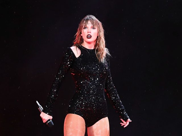 SYDNEY, AUSTRALIA - NOVEMBER 02: Taylor Swift performs at ANZ Stadium on November 02, 2018 in Sydney, Australia. (Photo by Mark Metcalfe/Getty Images)