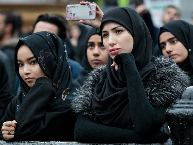 Young UK Muslim Women