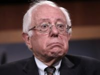 Bored Bernie: Sanders Fidgets, Yawns During Senate Impeachment Trial