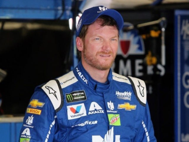 Earnhardt Jr., Wife, Child in Small Plane Crash