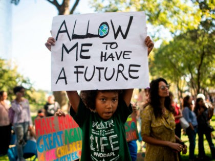 Students participate in the Global Climate Strike march on September 20, 2019 in New York City. - Crowds of children skipped school to join a global strike against climate change, heeding the rallying cry of teen activist Greta Thunberg and demanding adults act to stop environmental disaster. It was expected …