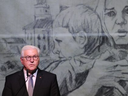 German President Frank-Walter Steinmeier gives a speech during a ceremony marking the 80th anniversary of the outbreak of the World War II, in Wielun on September 1, 2019. - German President Frank-Walter Steinmeier on September 1, 2019 asked Poland's forgiveness for history's bloodiest conflict during a ceremony in the Polish …
