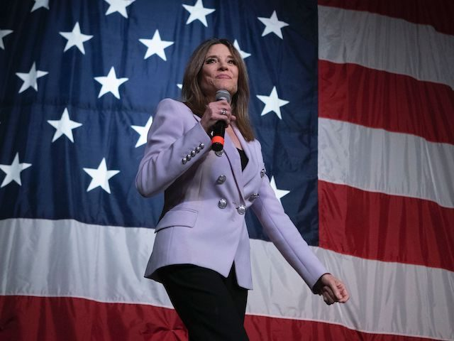 2020 Democratic presidential hopeful US author and writer Marianne Williamson speaks at the Wing Ding Dinner on August 9, 2019 in Clear Lake, Iowa. - The dinner has become a must attend for Democratic presidential hopefuls ahead of the of Iowa Caucus. (Photo by ALEX EDELMAN / AFP) (Photo credit …