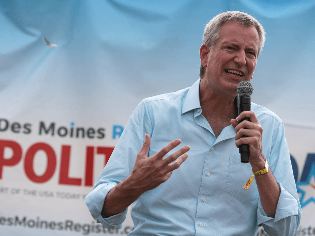 Democratic presidential candidate New York City Mayor Bill de Blasio delivers campaign speech at the Des Moines Register Political Soapbox at the Iowa State Fair on August 11, 2019 in Des Moines, Iowa. 22 of the 23 politicians seeking the Democratic Party presidential nomination will be visiting the fair this …