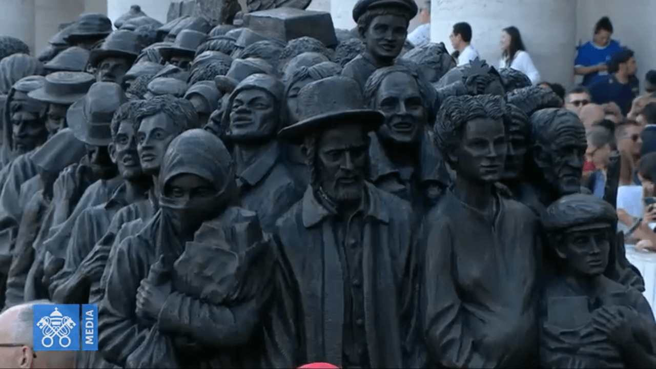 Migrant sculpture