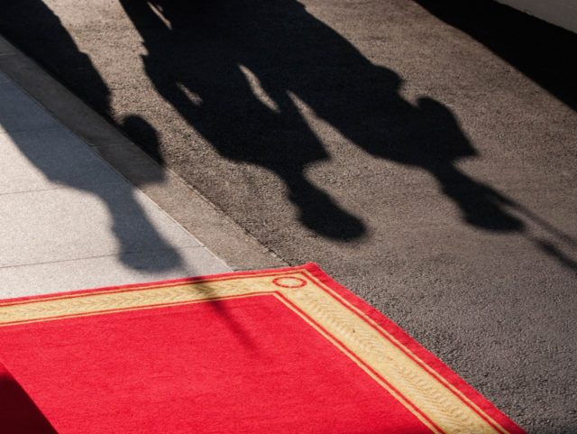 White House shadow (Zach Gibson / AFP / Getty)