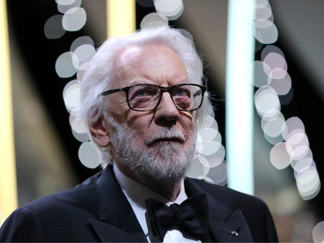Canadian actor and member of the Jury Donald Sutherland arrives on stage on May 22, 2016 during the closing ceremony of the 69th Cannes Film Festival in Cannes, southern France. / AFP / Valery HACHE (Photo credit should read VALERY HACHE/AFP/Getty Images)