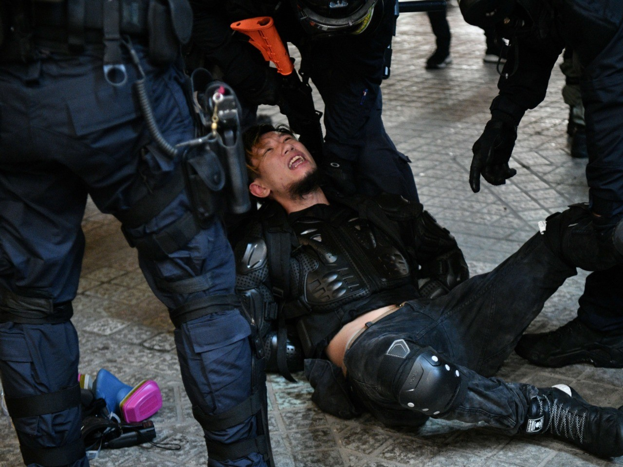 Exclusive: Hong Kong Volunteers Document Extreme Police Brutality, Urge Journalists to Help