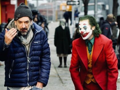 Joaquin Phoenix and Todd Phillips in Joker (2019)