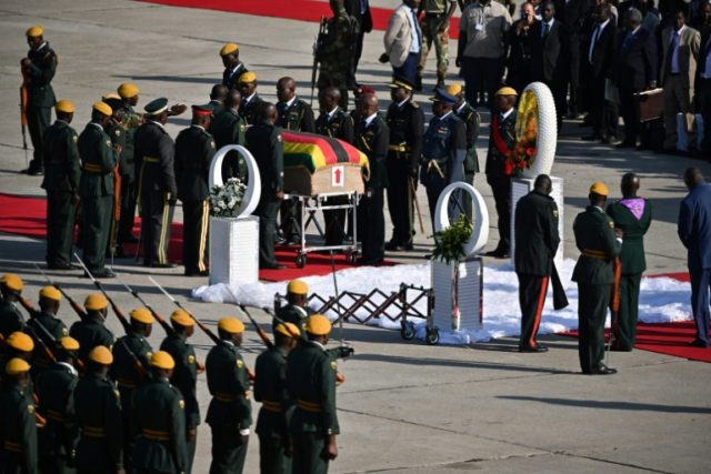Mugabe body being flown to Zimbabwe, burial place undecided