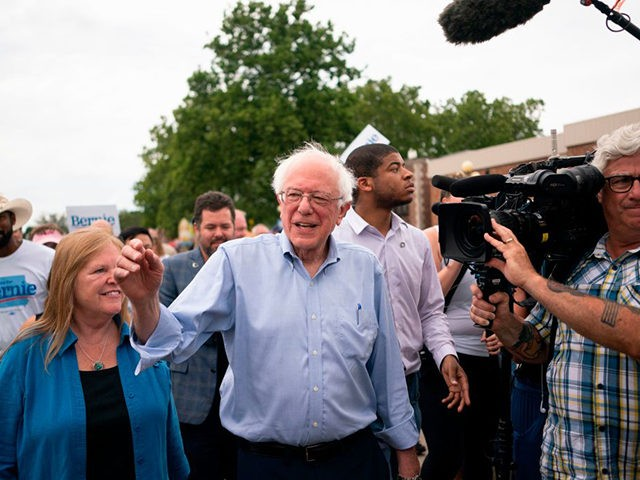 Democratic 2020 presidential candidate Senator Bernie Sanders (I-VT) greets people as he walks with reporters through the Iowa State Fair in Des Moines, Iowa on August 11, 2019 (Photo by ALEX EDELMAN / AFP) (Photo credit should read ALEX EDELMAN/AFP/Getty Images)