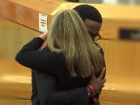 botham-jean-brother-amber-guyger-hug