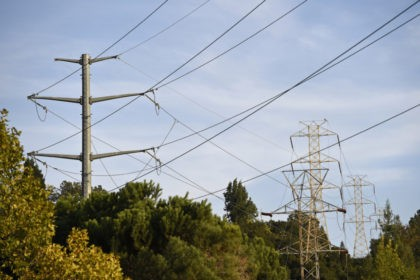 California power outages highlight economic disparity