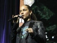 Alicia Keys 'Frustrated' That 4-Year-Old Son Didn't Want to Be Seen in Public with Rainbow Manicure