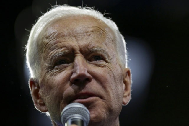 Biden maintains lead in new national poll