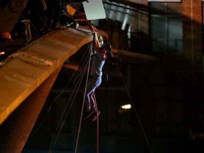 Hong Kong Students Fly over Bridge, Enter Sewers to Escape Campus Crackdown