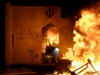 Flames consume Iran's consulate in the southern Iraqi Shiite holy city of Najaf on November 27, 2019, two months into the country's most serious social crisis in decades. - Iraqi protesters torched the Iranian consulate in the holy city of Najaf in a dramatic escalation of anti-government demonstrations that have …