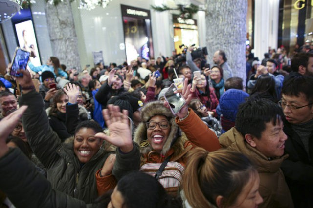 NEW YORK, NY - NOVEMBER 28: Customers arrive to the Macy's store on 33th street as Black Friday sales start early on November 28, 2019 in New York, United States. (Photo by Kena Betancur/Getty Images)