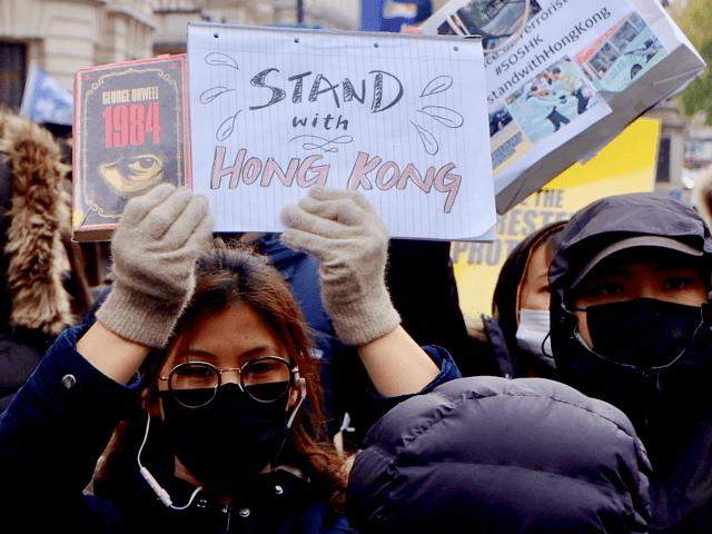 hong kong protesters march