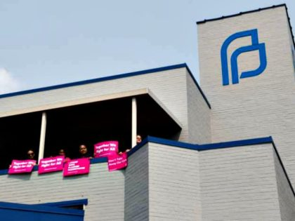 A rally at the last Planned Parenthood in Missouri. Credit: Saul Loeb / AFP / Getty Images