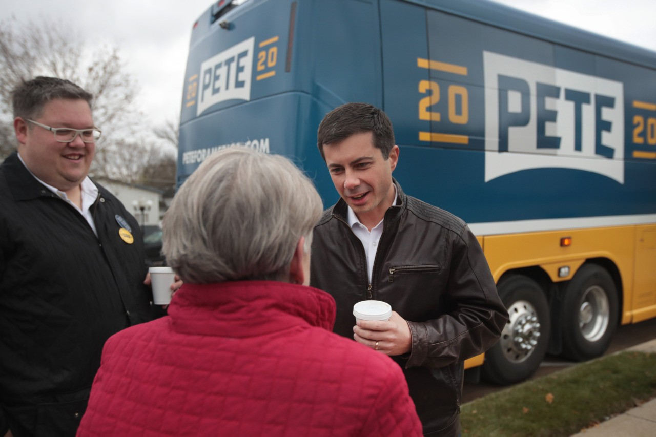 Des Moines Register Poll: Pete Buttigieg Surprises with Comfortable Lead in Iowa | Breitbart