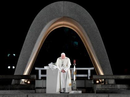 Pope Francis at Hiroshima memorial