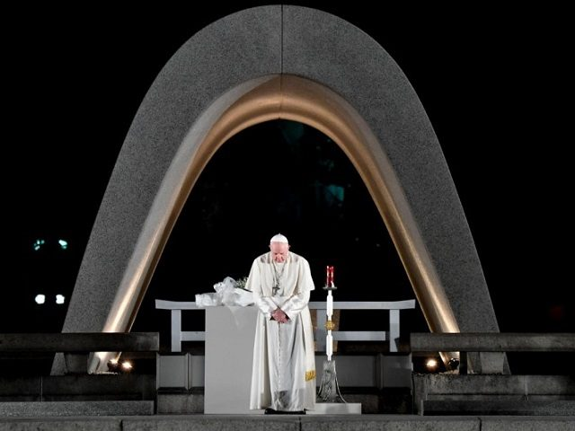 Pope Francis at Hiroshima memorial
