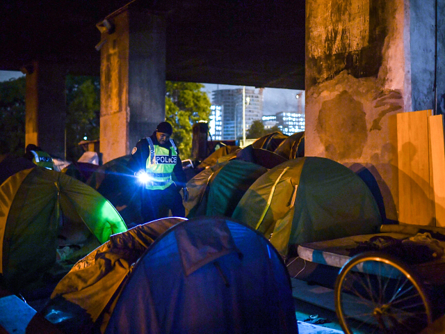 Paris: Police Clear Over 1,600 People from Illegal Migrant Squatter Camps