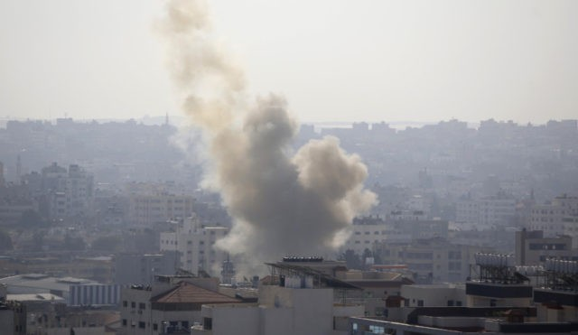 Israel kills Islamic Jihad leader, setting off fierce clash