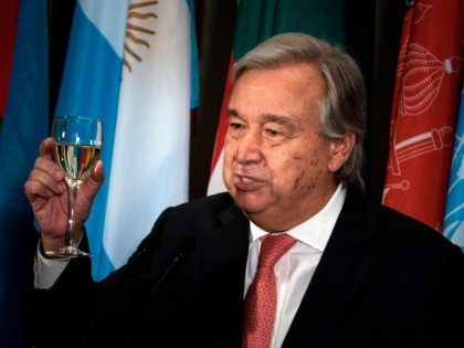 UN Secretary-General Antonio Guterres makes a toast during a luncheon at the United Nations headquarters during the 72nd session of the United Nations General Assembly September 19, 2017 in New York City. / AFP PHOTO / Brendan Smialowski (Photo credit should read BRENDAN SMIALOWSKI/AFP via Getty Images)