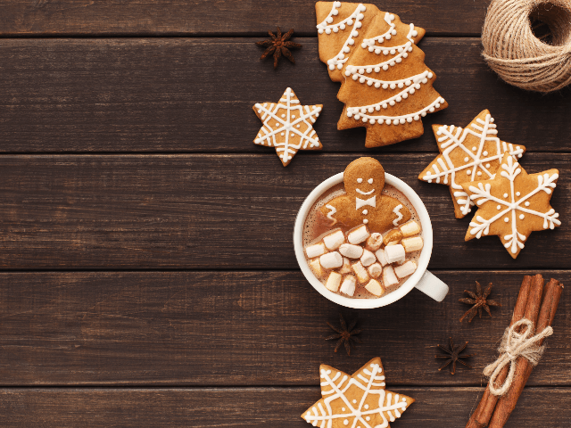 hot chocolate and cookies