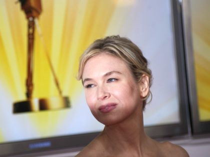 US actress Renee Zellweger arrives for the awardings of the Goldene Kamera 2011 (golden camera media prize) of the Axel Springer Verlag publishing house on February 5, 2010 in Berlin. AFP PHOTO / JOHANNES EISELE (Photo credit should read JOHANNES EISELE/AFP via Getty Images)