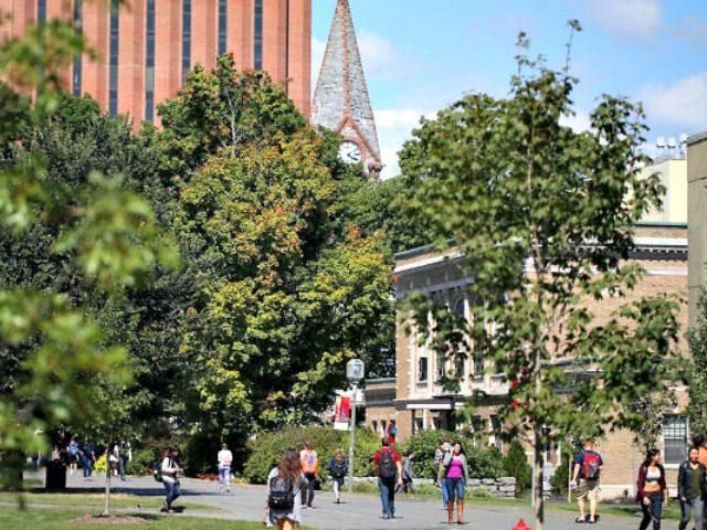 UMass Amherst students head across campus in 2014. (Jonathan Wiggs/The Boston Globe via Getty Images via JTA)